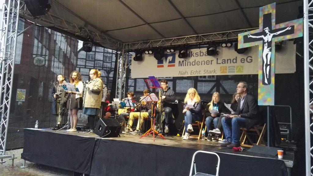Frühstart beim Eröffnungsgottesdienst Stadtfest Porta 2017